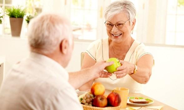 Suy dinh dưỡng ở người cao tuổi